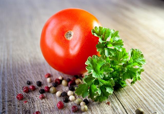 tomato-663097_640